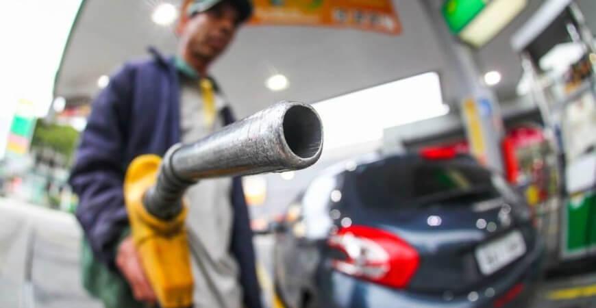 Tributação sobre diesel e gás de cozinha é zerada e medida começa valer imediatamente